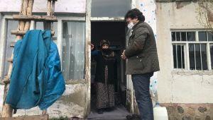 Ak Parti Patnos İlçe Başkanı Tekin Dinç, İhtiyaç Sahibi Aileleri Ziyaret Etmeye Devam Ediyor.